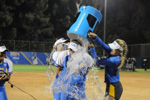 What's Bruin: Women's Tennis and Softball Continue to Roll