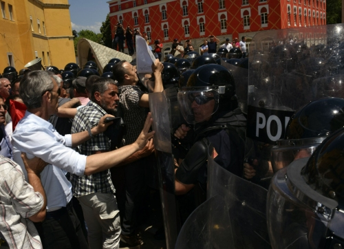 Albania opposition rallies, demands prime minister resign