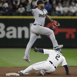 Mike Zunino's homer in the 12th ends frustrating, painful night for Mariners on a happy note