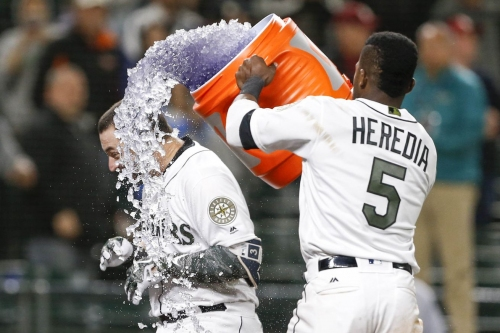 2018 attempts to kill off Mariners again, Mariners instead spin off into new franchise