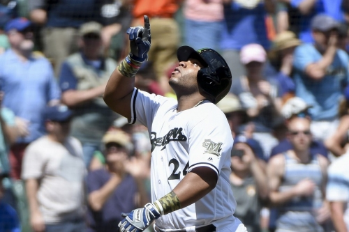 Brewers' offense wins another one over Mets, 8-7
