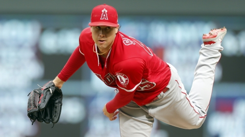 Angels' sixth straight win is worth the wait for Tyler Skaggs