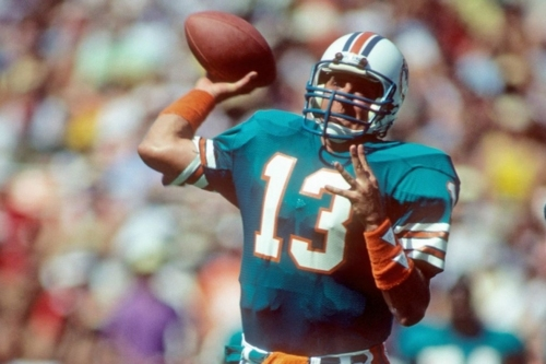 Marino Monday: Dan Marino leads the Dolphins to victory over the undefeated Chicago Bears