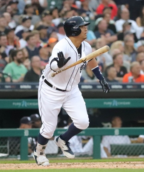 Detroit Tigers lose Miguel Cabrera in 3rd, lead in 7th, game vs. Twins, 6-4