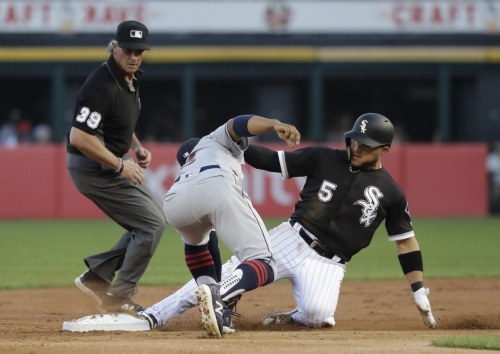 Rebuilding Chicago White Sox out-execute sluggish Cleveland Indians for 3-2 victory
