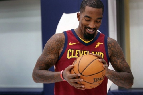 Wife of Cleveland Cavaliers star JR Smith gives birth to daughter