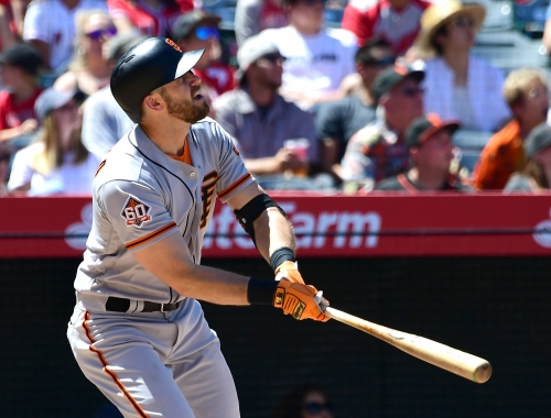 Evan Longoria exits Giants series-finale early with injury
