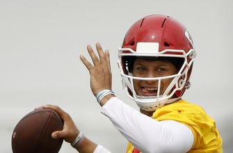 Chiefs' Reid releases players early after productive camp