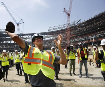 Coming attractions: LA Rams tour their palatial new stadium