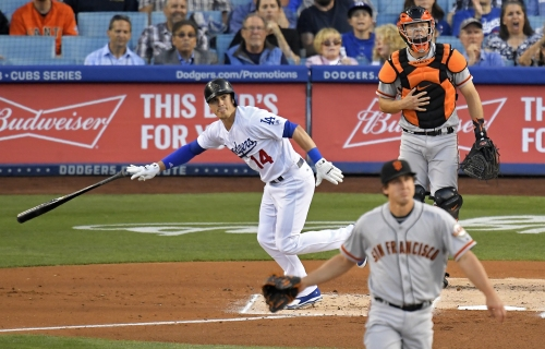 Fatigued Giants drop opener to Dodgers, road struggles continue