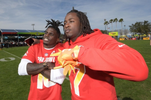 Saturday Arrowheadlines: Chiefs among top five receiving corps in the NFL
