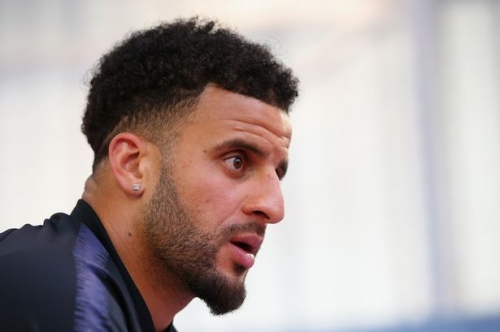 Man City defender Kyle Walker takes issue with Gary Neville's England claim