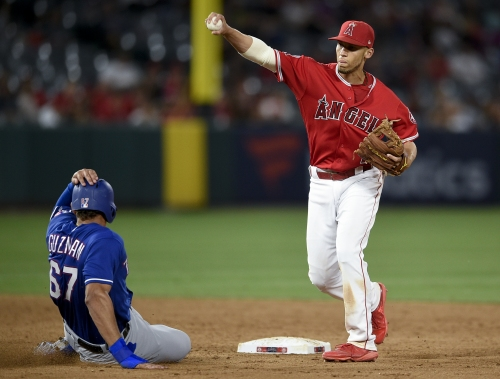 Quick-healing Andrelton Simmons returns to Angels lineup earlier than expected