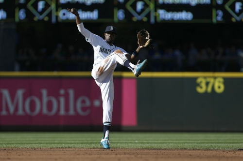 Mariners are themselves against the Red Sox, win 1-0