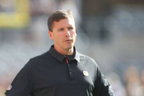 Bill Lazor waiting until padded practices to make any decision about Bengals offensive line