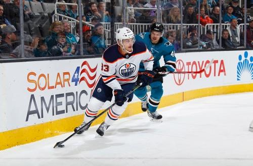 Matt Benning Re-Signs with the Edmonton Oilers