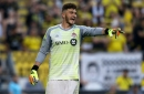 Alex Bono signs new contract with Toronto FC
