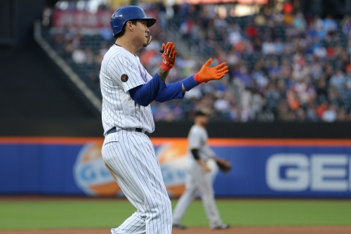 Wilmer Flores walk-off single lifts Mets over Pirates after benches clear