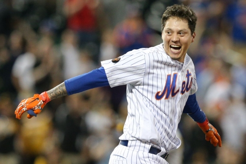Wilmer Flores pillages a win away from the Pirates