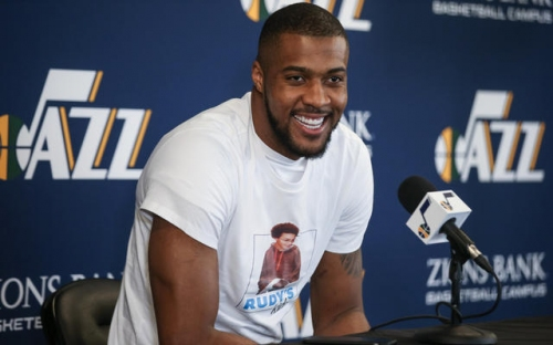 Reports: Derrick Favors re-signing with Utah Jazz