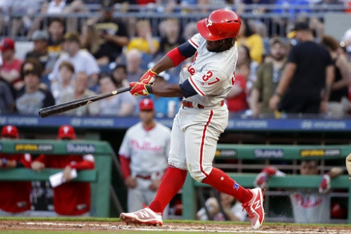 Herrera, Knapp homer in Phillies' 17-6 rout of Pirates