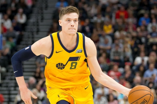 Woj: Warriors will sign recently-waived Jonas Jerebko
