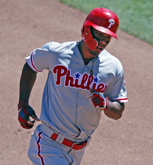 Kingham pitches, hits Pirates to win over Phillies