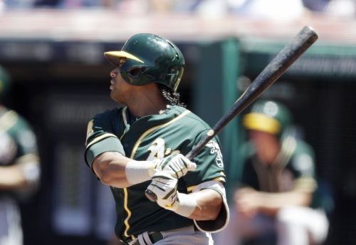 Khris Davis extends MLB-best streak as A's blitz Astros