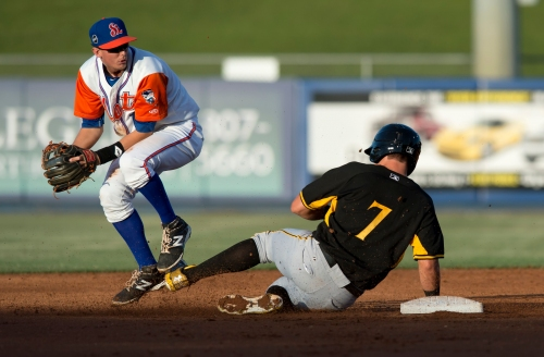 Jeff McNeil may be future 2B, but Mets aiming to increase versatility