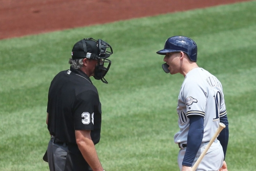 Offense absent again as Brewers drop first game of doubleheader, 2-1