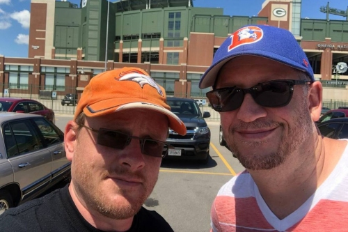 Horse Tracks: A Broncos fan guide to visiting Lambeau Field