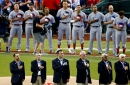 Johnny Bench thanks Medal of Honor recipients at All-Star Game