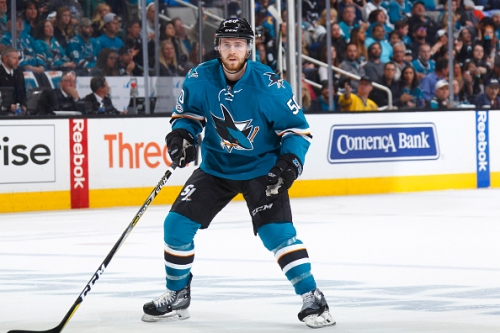 Chris Tierney Re-Signs with San Jose Sharks