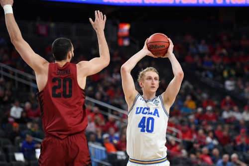 Former UCLA Basketball Center Thomas Welsh Signs Two-Way NBA Contract