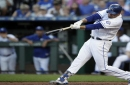 Perez homers, Royals hold off Twins 4-2