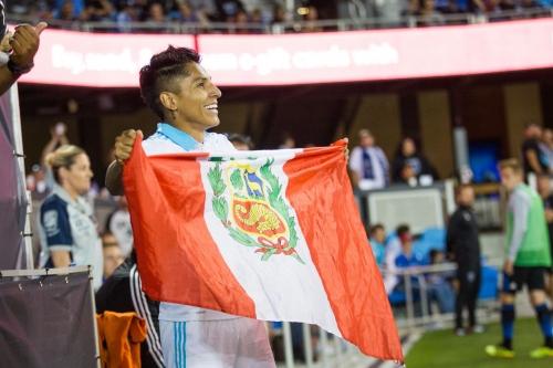 Peruvians absolutely adore Raúl Ruidíaz