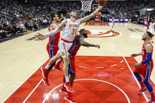 How to split playing time among the bench big men