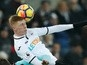 Burnley 'launch £8m bid for Sam Clucas'