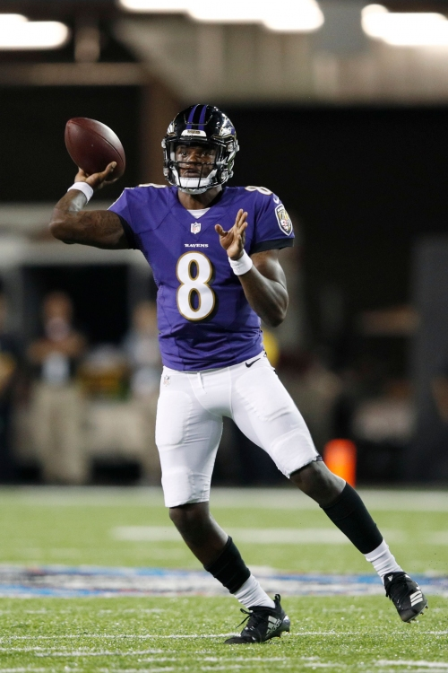 Lamar Jackson has up-and-down Hall of Fame Game in Baltimore Ravens debut
