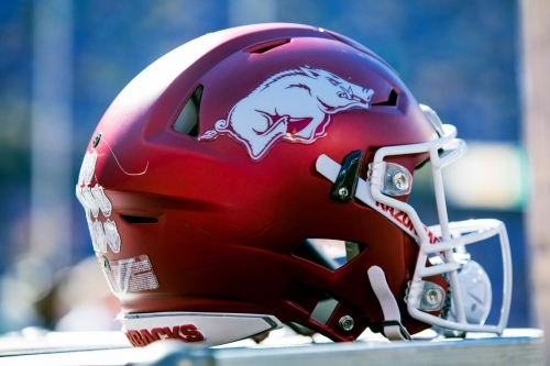 Enoch Jackson, 2019 DT, commits to Arkansas