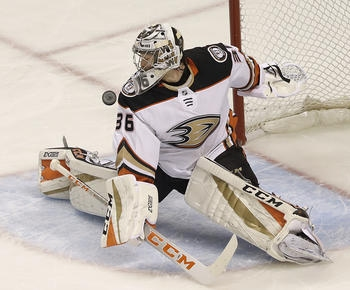 Ducks sign G John Gibson to 8-year, $51.2 million extension
