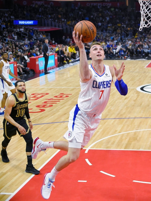 Clippers trade of Sam Dekker to Cleveland