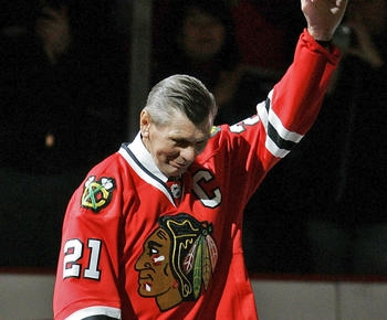 Blackhawks great Stan Mikita dead at 78