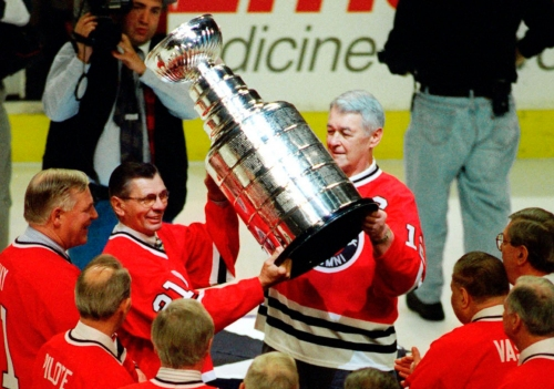 Stan Mikita, who led Blackhawks to 1961 title, dies at 78