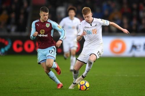 Swansea City midfielder Sam Clucas completes Stoke City move