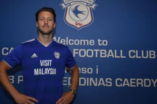 Cardiff City announce the signing of Bournemouth midfielder Harry Arter on season-long loan