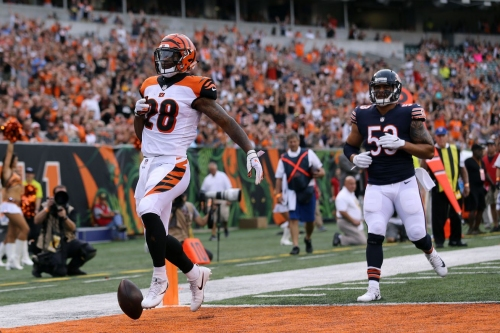 Bengals come out strong, rally past Bears 30-27
