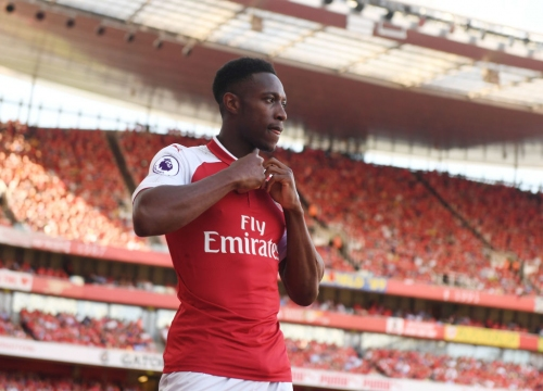 Arsenal listen to offers for Danny Welbeck as Everton, Bournemouth or Southampton could make late swoop