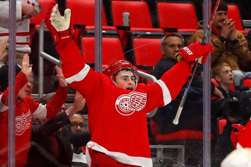 Dylan Larkin inks 5-year extension with Red Wings