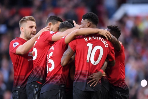 Manchester United kick-start new Premier League season with win over Leicester City